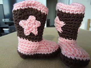 Pin on crochet baby socks, shoes and boots