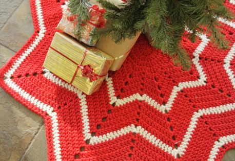 DROPS Christmas: Crochet DROPS rug with stripes and zig ...