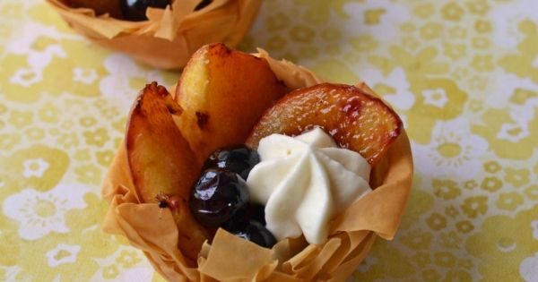 Fruit tarts, Grilled peaches and Filo on Pinterest