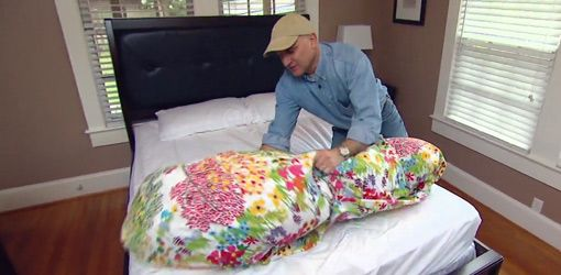 How To Put A Comforter Inside A Duvet Cover Duvet Covers Duvet Cover Tutorial Duvet