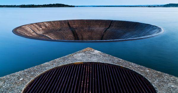 Vertedouro Barragem Monte da Rocha - Spillway Monte da ...