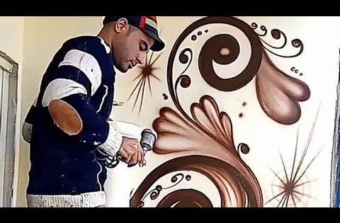 رسم جداري مدهش بلون واحد باستخدام مسدس الهواء الرسام احمد مصطفى Youtube