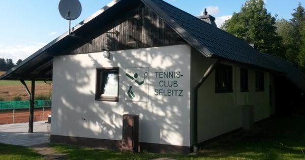 Instandhaltung Vereinsheim Tennis Club Selbitz E V Vr Bank Hof Tennis Clubs Hof Outdoor Structures