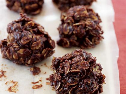 easy heatlhy desserts. no bake cookies. these look nice and simple. if
