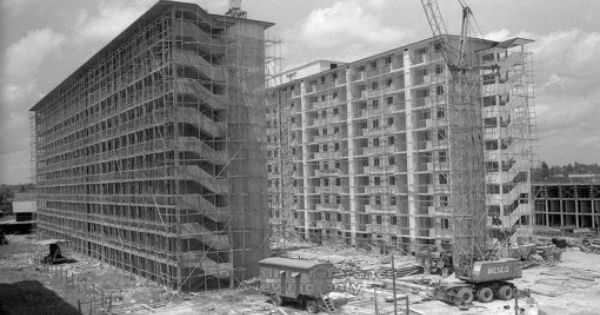 Wooden Scaffolds Seen At Hdb Blocks Of Flats Under Construction In The Mid 1960s Image Source Http A2o Nas Sg Picas Winding Road Block Of Flats Singapore