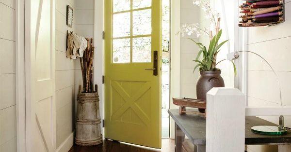 Geef je voordeur aan de binnenkant een kleurtje en maak een statement in je gang of hal met een - Maak een gang ...