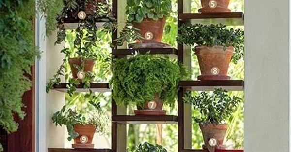 Crea tu propio jard n vertical estanterias de madera for Jardines verticales casa
