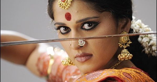 Lovely Nose Pin And Jimkis Actress Anushka Shetty In Stills From Arundhati Nose Pin Indian Most Beautiful Indian Actress Beautiful Indian Actress