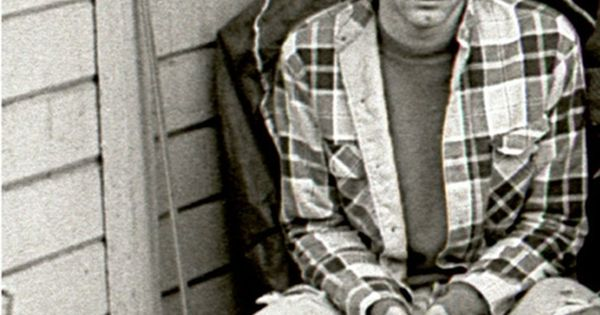 a look at the life and times of kurdt donald cobian a musician Dear kurt, you spoke to me when no one else did you are my love, my life, and my unknown friend i love you more than myself at times i get so lonily and i get a thought of death only i will never forget the way that his music has made me change the way that i look at my life and the way that everyone has a well.