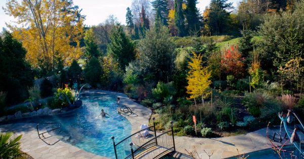The soaking pool at mcmenamin 39 s edgefield troutdale for The edgefield