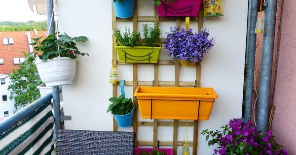 Vertical balcony garden ideas balcony garden balcony for Balcony vertical garden ideas