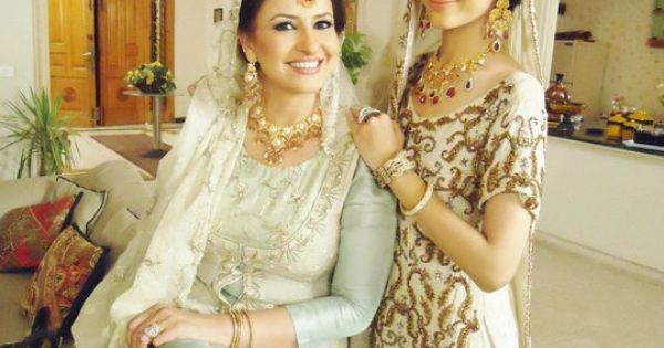 Urwa And Marwa Jeans marwa with saba fasial...