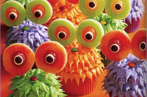 Halloween Cupcake Ideas - several cute ones including these monster cupcakes
