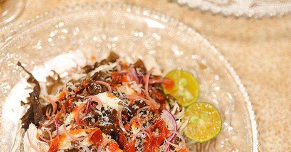 Kerabu Bok Hnee - Spicy Fungus and Chicken Salad | Happy Food ...