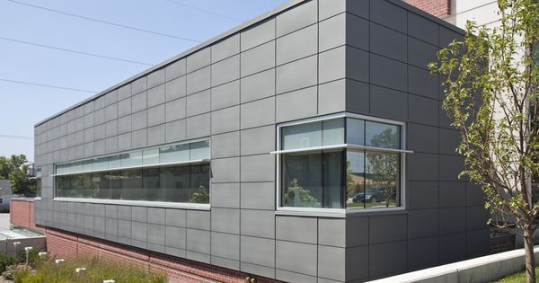 Home instead center for successful aging designed by hdr for Revestimiento exterior zinc
