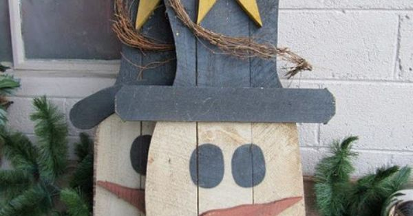 Primitive Snowmen with pallets
