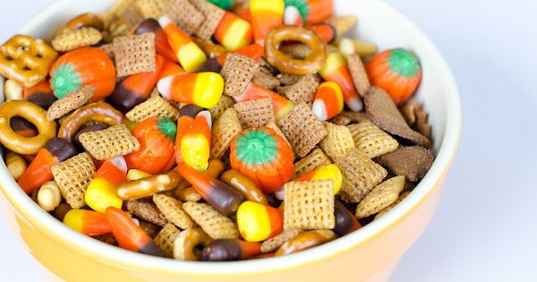 Easy Halloween Party Mix | Party Mix, Halloween Party and Chex Mix