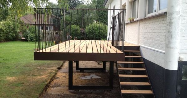 construction terrasse suspendue en bois balcony Pinterest