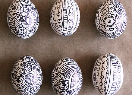 Easy Sharpie doodles Easter egg decorating ideas by Alisa Burke