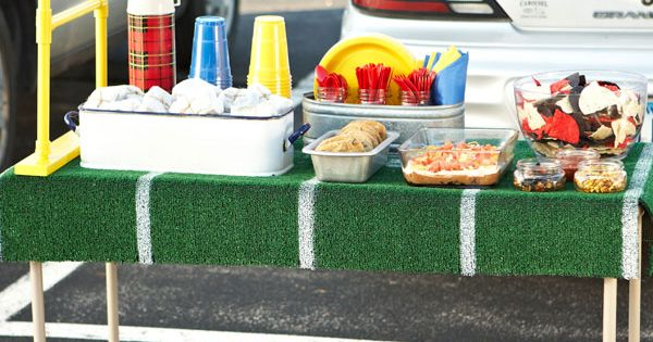 tailgate table - painted turf table cloth and PVC