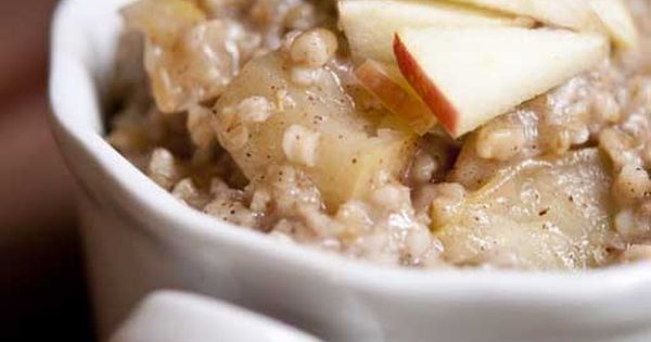 Clean Eating Apple Pie Oatmeal. CleanEatingRecipes - use green apples oatmeal recipes