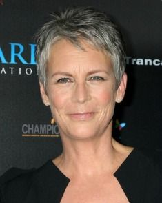 How To Grow Out Grey Hair Gracefully Letting Grey Hair Grow Out Gray Hair Growing Out Grey Hair And Makeup Jamie Lee