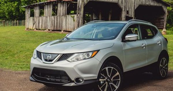 2017 Nissan Rogue Sport Is A Right Sized Small Crossover Suv Nissan Rogue Crossover Suv Car Ins