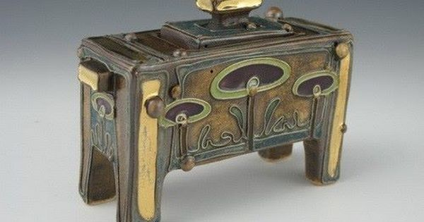 زخارف نباتية خزفيات رائعة للفنانة Carol Long الصفحة 3 Pottery Art Pottery Decorative Boxes