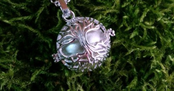 collier sautoir pendentif elfique bola de grossesse arbre de vie plaqu argent clair femme. Black Bedroom Furniture Sets. Home Design Ideas