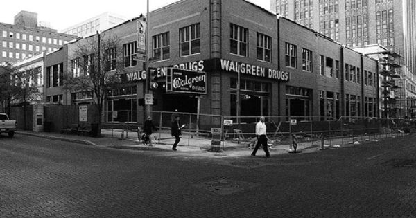 Walgreens Houston And Navarro The Newer Version Of Walgreens I Like The Old Building Better The Nix Is In The Backgr San Antonio Tx San Antonio Old Building