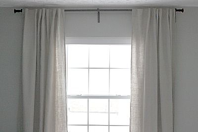 Hanging Curtains High And Wide Can Give Any Room A Lift Http Www Housetweaking Com 2011 01 11 High Wide House Tweaking Hang Curtains High High Curtains