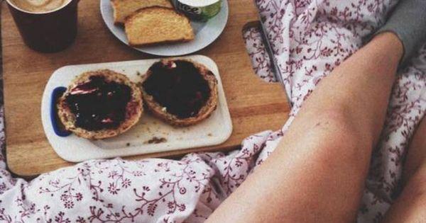 petit d jeuner au lit amoureux crumpets petit d jeuner brunch breakfast pinterest. Black Bedroom Furniture Sets. Home Design Ideas