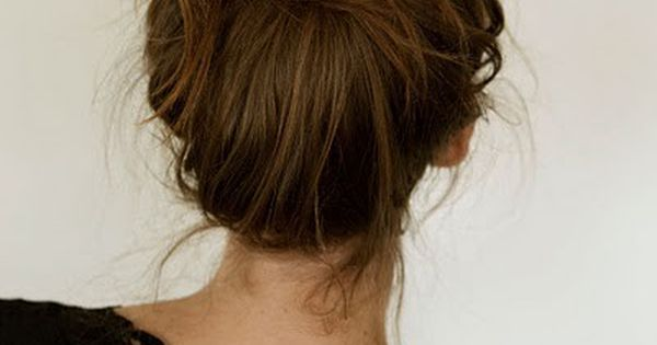 messy bun tutorial hairdo hairstyle hair bun Hair Style girl hairstyle| http://fresh-fruit-recipe-shaniya.blogspot.com