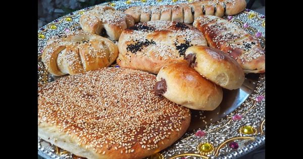معروك اسفنجي بدون بيض وجهد بالعجن وسر طراوته Bread How To Make Ramazan Youtube Food Recipes Pie Dough