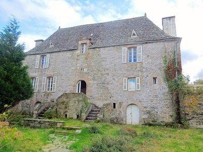 Manoir A Restaurer A Vendre En Bretagne Le Manoir Manoir A Vendre Immobilier Bretagne