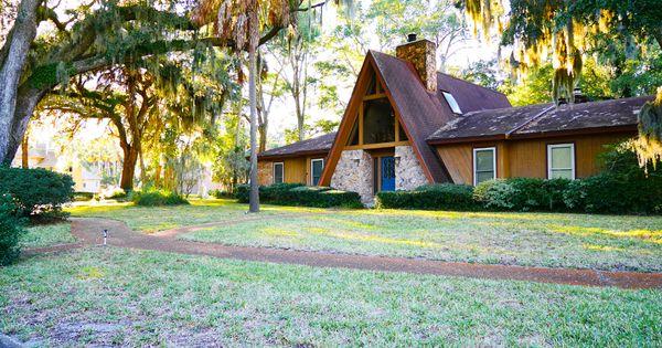 Mid century modern house in charter point neighborhood for Modern house jacksonville