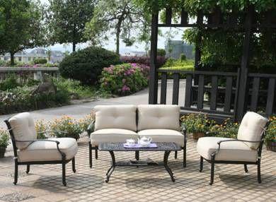 Un salon de jardin en acacia haut de gamme modulable ...