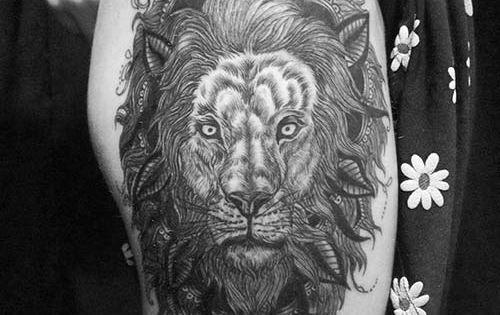 Woman Hip Big Lion Head Tattoo Kadin Kalca Ve Bacak Buyuk Aslan
