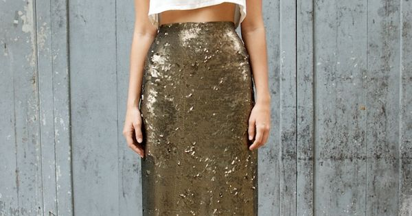 Love this sequin skirt + crop top. Maybe not the outfit to