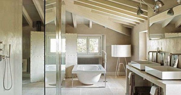 Salle de bains sous les toits planete d co via nat et for Salle de bain sous les toits
