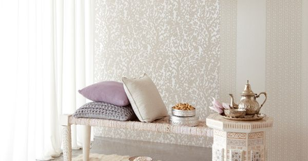 White and silver moroccan style wallpaper and lamps for Moroccan style wallpaper