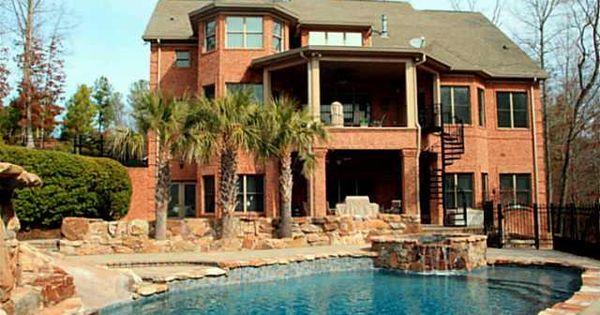Home Design: Kyle Bushes Home In North Carolina