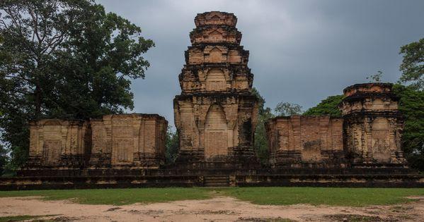 temple essay 2017