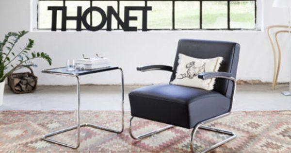 Freischwinger fauteuil s 411 in lederen uitvoering met een bijzettafel deze ontwerpen - Rechthoekige lederen pouf ...