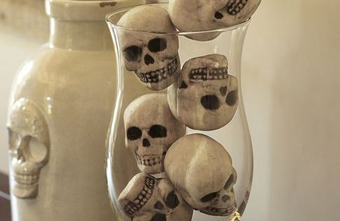 Mini Skull Vase Filler, Halloween decorating ideas