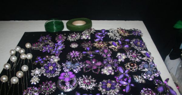 BRIDAL BOUQUET DIY Kit 45 Brooches And Fatback Wedding Bouquet Fresh Flower Bouquet Purple