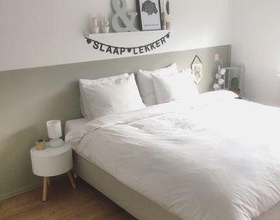 Slaapkamer binnenkijken bij linda83 geschilderde muren bedden en toverstokken for Deco voor slaapkamer meiden