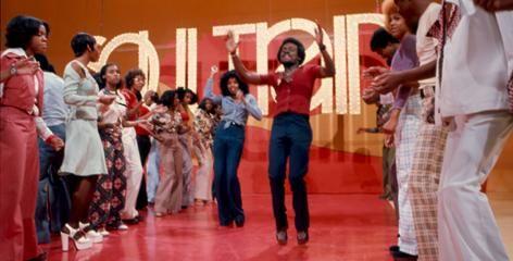 The Soul Train Line With Images Soul Train Dancers Soul Train