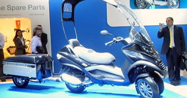 Piaggio Mp3 Roof And Trailer Piaggio Reverse Trike Vespa Moped