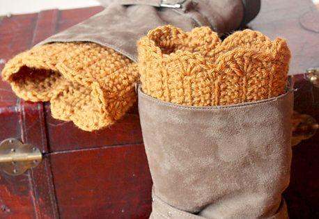 Free crochet pattern: Ravelry- Scalloped Boot Cuffs pattern by Jenny Dickens